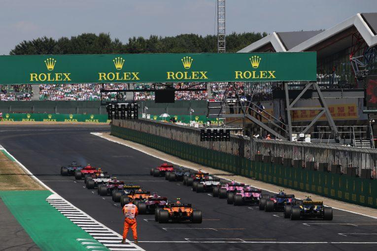 F1 | F1イギリスGP、クラッシュ続発を受けてシルバーストンの3カ所目のDRSゾーンを廃止