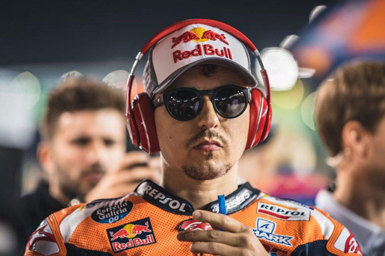 MotoGP:ホンダのロレンソ、開幕戦カタールでの転倒で肋骨にヒビ。全治は約3週間