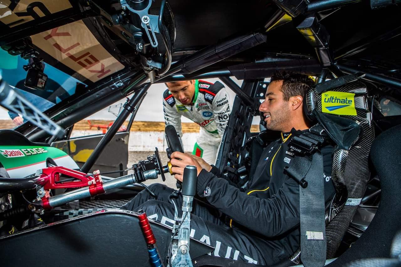 ダニエル・リカルドがハコ車三昧。ニッサン・アルティマ、メガーヌTCRに初挑戦