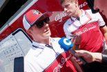 F1 | ライコネン、アルファロメオF1の会見でも変わらずのマイペースコメント。「旅行ばかりしているからよくわからない」