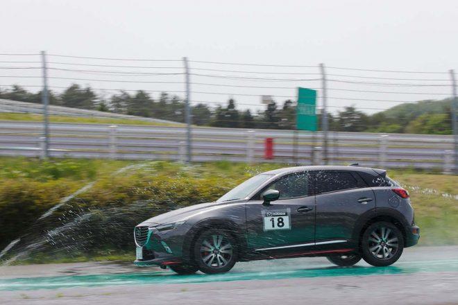 Be a driver. マツダ・ドライビング・アカデミー