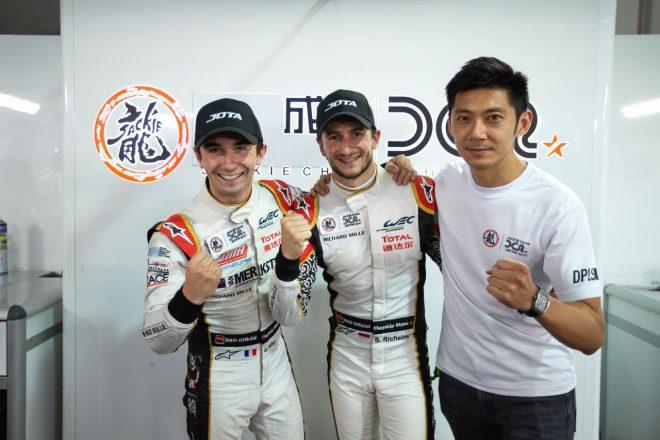 LMP2クラスポールを獲得したジャッキー・チェン・DCレーシングの(左から)ガブリエル・オブリ、ステファン・リケルミ、ホー・ピン・タン
