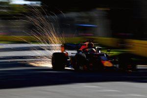 F1 | F1オーストラリアGP FP2:トップはメルセデス。レッドブル・ホンダは3-4番手もガスリーにアクシデント発生か