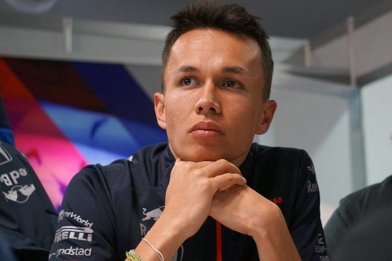 F1 | 【開幕戦のトロロッソ・ホンダ】初日走行を終えたアルボン&クビアト、対象的なふたりの感触とコース上での予期せぬ出来事