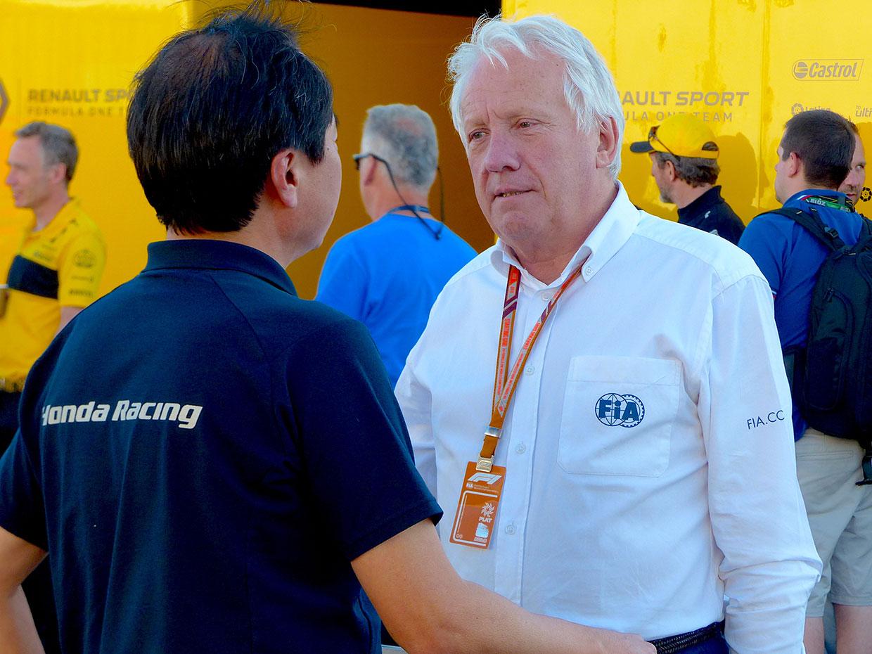 何度もミーティングを重ねてきた田辺豊治ホンダF1テクニカルディレクターとチャーリー・ホワイティング、田辺豊治F1テクニカルディレクター