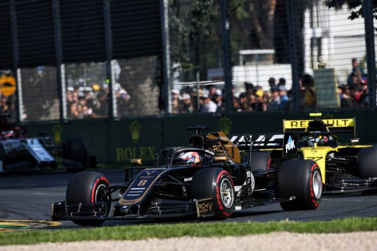 F1   【動画】昨年の悪夢再び、ピットストップで順位を落としたグロージャン/F1オーストラリアGP決勝
