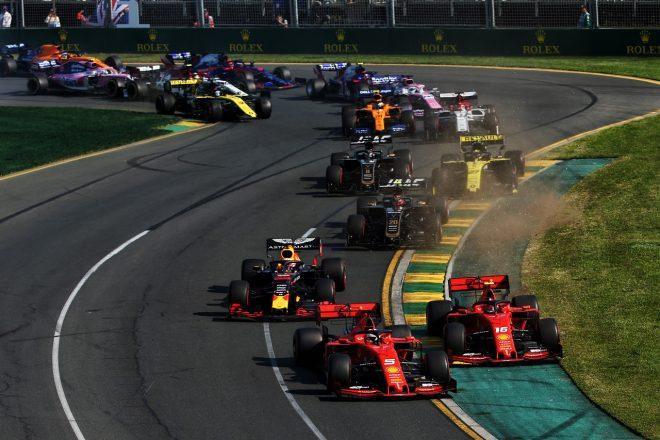 2019年F1第1戦オーストラリアGP スタート直後にコースオフしたシャルル・ルクレール(フェラーリ)