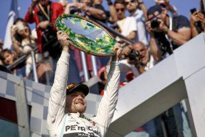 F1 | ボッタス、ハミルトンに20.9秒差をつけ優勝「リスクを承知で最速ラップにも挑戦、完璧な勝利に」:メルセデス F1オーストラリアGP日曜