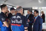 F1 | 【ブログ】緊張もつかの間、トロロッソの若手ふたりがホンダ八郷社長に言いたい放題/F1オーストラリアGP現地情報