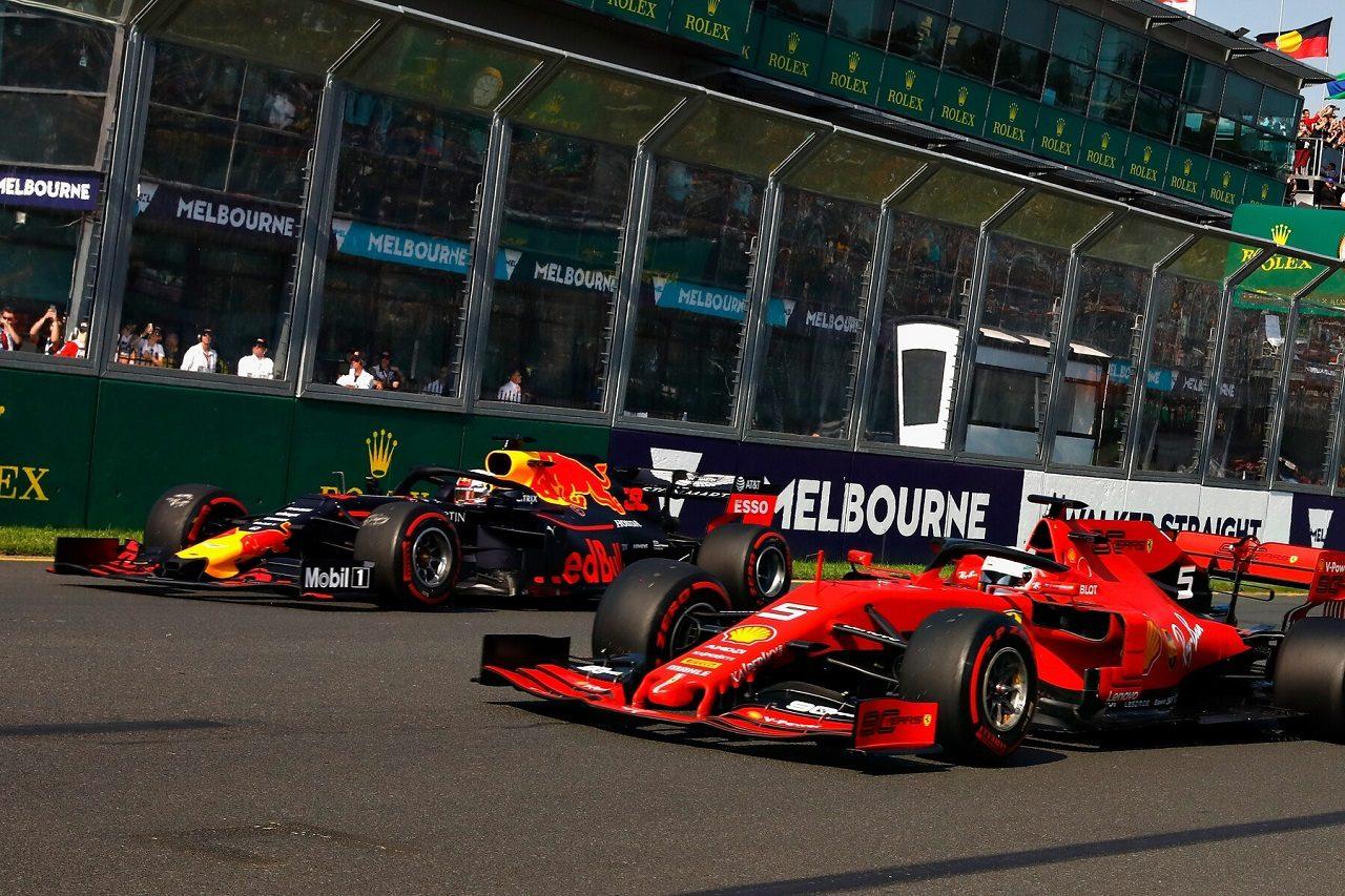 2019年F1第1戦オーストラリアGP マックス・フェルスタッペン(レッドブル・ホンダ)とセバスチャン・ベッテル(フェラーリ)