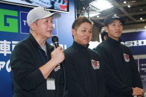 MotoGP | 左から佐藤勝彦監督、藤田拓哉、津田一磨