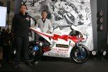 過酷なマン島TTのコースに挑む電動バイク『神電 八』。チーム無限監督に聞くマシン開発秘話