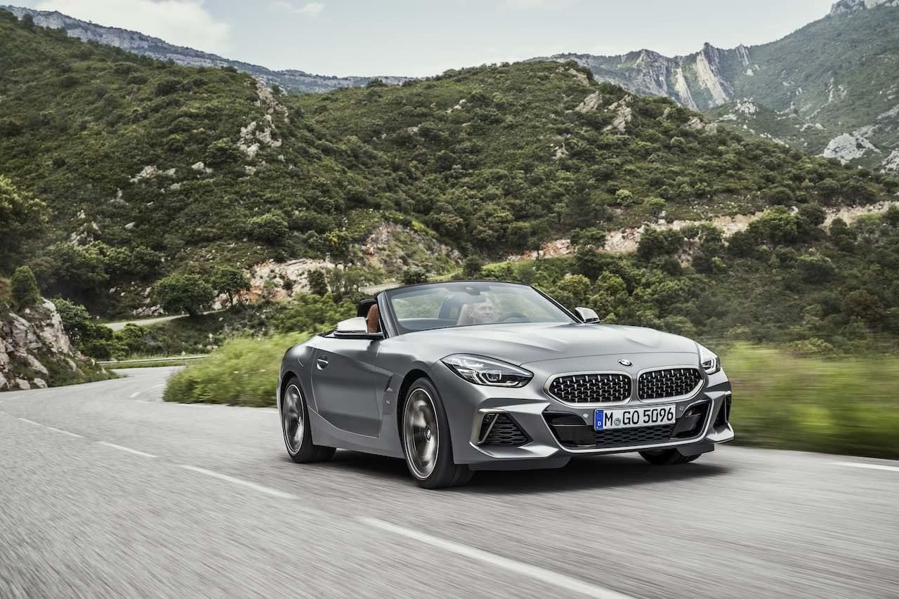 トヨタ・スープラの兄弟車、ソフトトップ回帰の新型『BMW Z4』上陸。発売記念限定車も