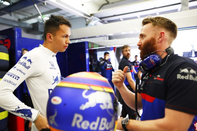 F1   アルボン「熾烈な中団争いを制すため、予選に向けてさらに競争力を高めていく」:トロロッソ・ホンダ F1バーレーンGP金曜