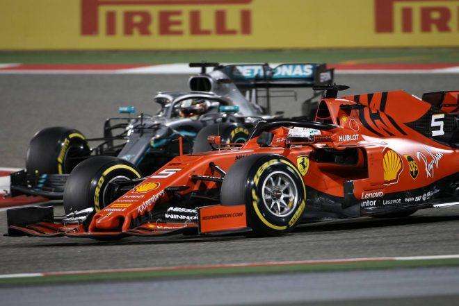 2019年F1第2戦バーレーンGP決勝 セバスチャン・ベッテル(フェラーリ)とルイス・ハミルトン(メルセデス)のバトル