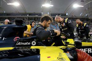 F1 | リカルド、PUトラブルでリタイア「戦略で苦労し続け、結局完走できず」:ルノー F1バーレーンGP日曜