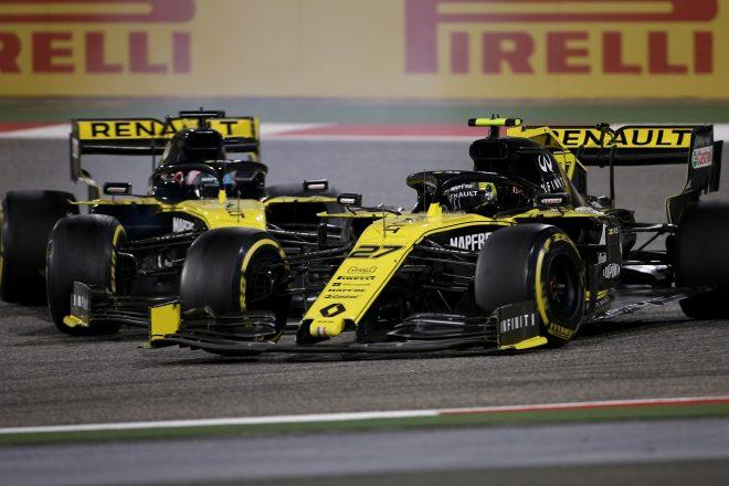 2019年F1第2戦バーレーンGP ダニエル・リカルドとニコ・ヒュルケンベルグ(ルノー)はバトルの際に接触も