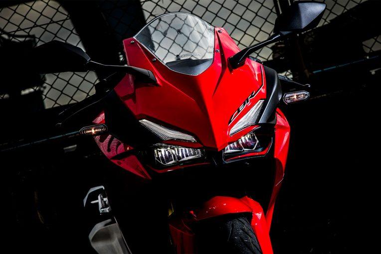 MotoGP | 250ccクラスでも豪華絢爛。走行性能もワンランク上なホンダCBR250RR/市販車試乗レポート