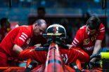 F1 | 【F1バーレーンGP無線レビュー】優勝目前のルクレールが悲痛な叫び「エンジンが何か変なんだ! XXX!」