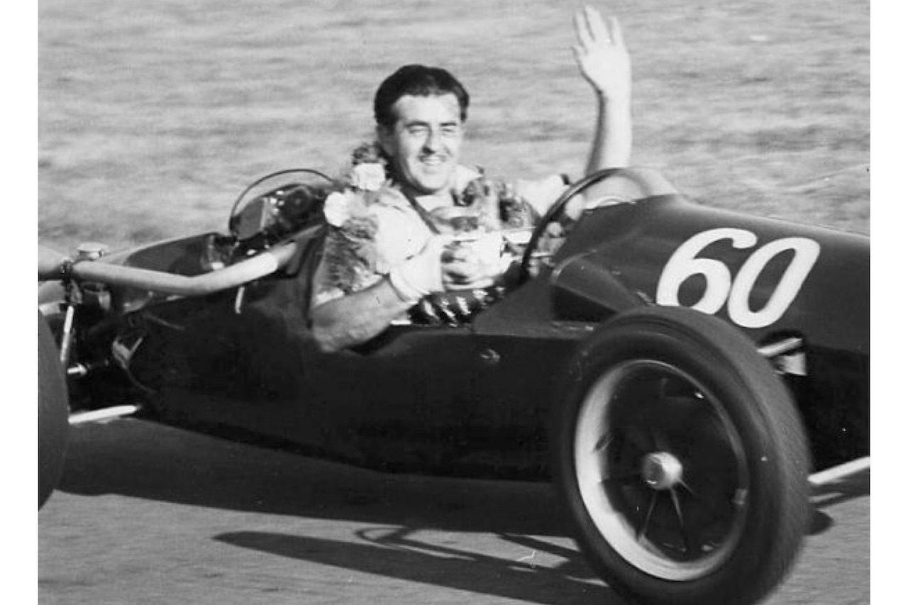 【訃報】イギリスの著名レーシングスクール創設者、ジム・ラッセルが98歳で逝去