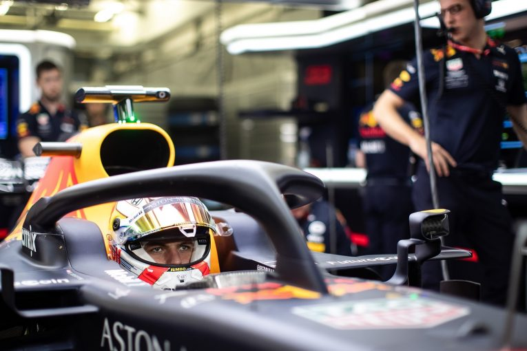 F1   レッドブル・ホンダのフェルスタッペン「中国GPではフェラーリ&メルセデスに近づきたい」