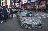 ニューヨーク・タイムズスクエア近くに現れた次世代型シボレー・コルベット