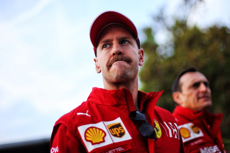 F1 | エクレストン、ハミルトンとのバトル中にミスを繰り返すベッテルを応援。「F1には彼の勝利が必要だ」