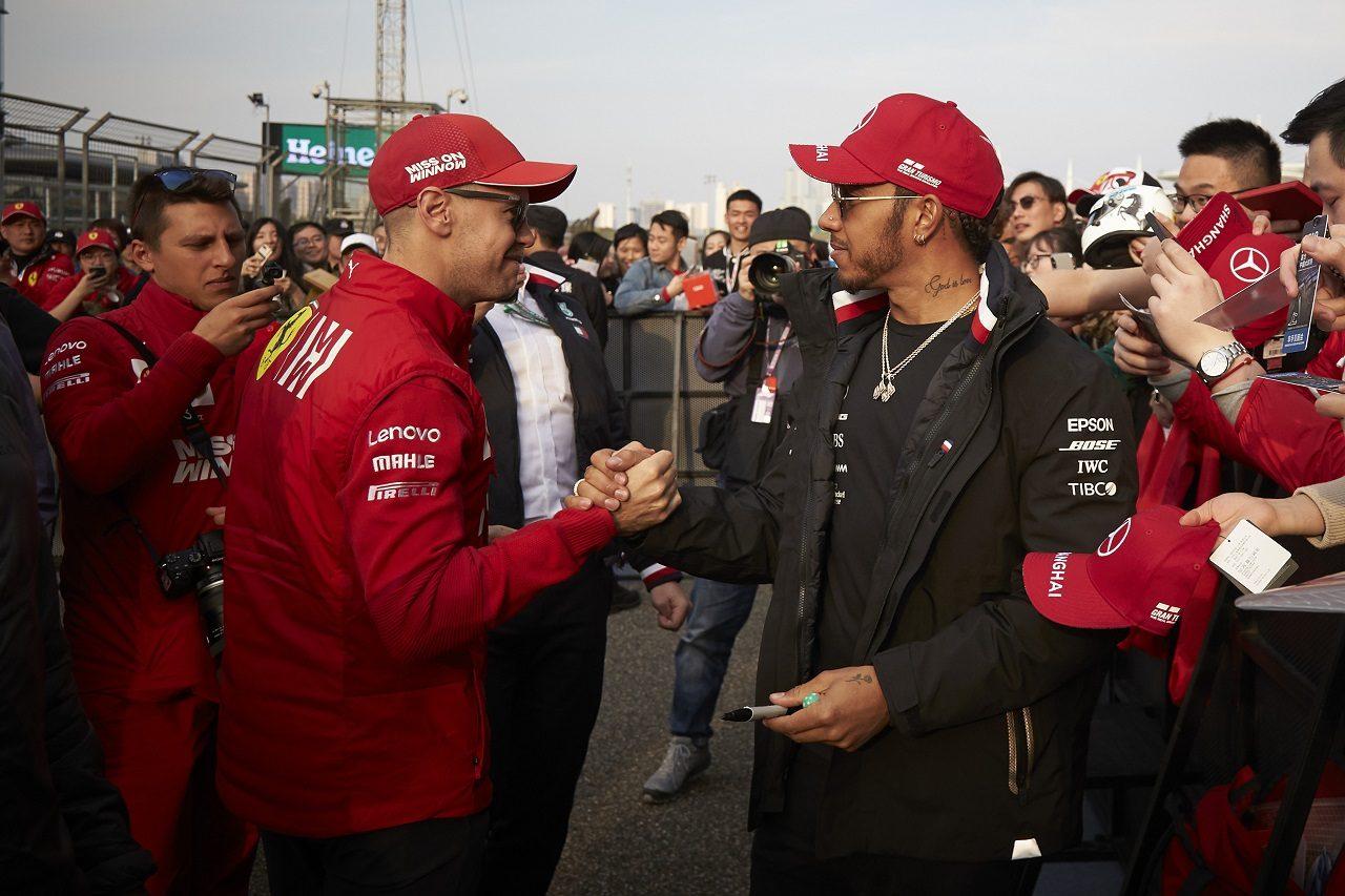 2019年F1第3戦中国GP ルイス・ハミルトン(メルセデス)とセバスチャン・ベッテル(フェラーリ)