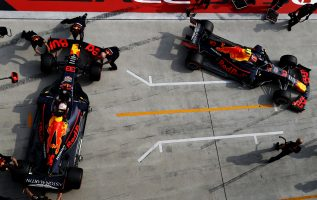F1 | レッドブル代表「2台揃ってQ3最後のアタックができず。悔しい予選だったが、決勝で上位を狙う」:F1中国GP土曜