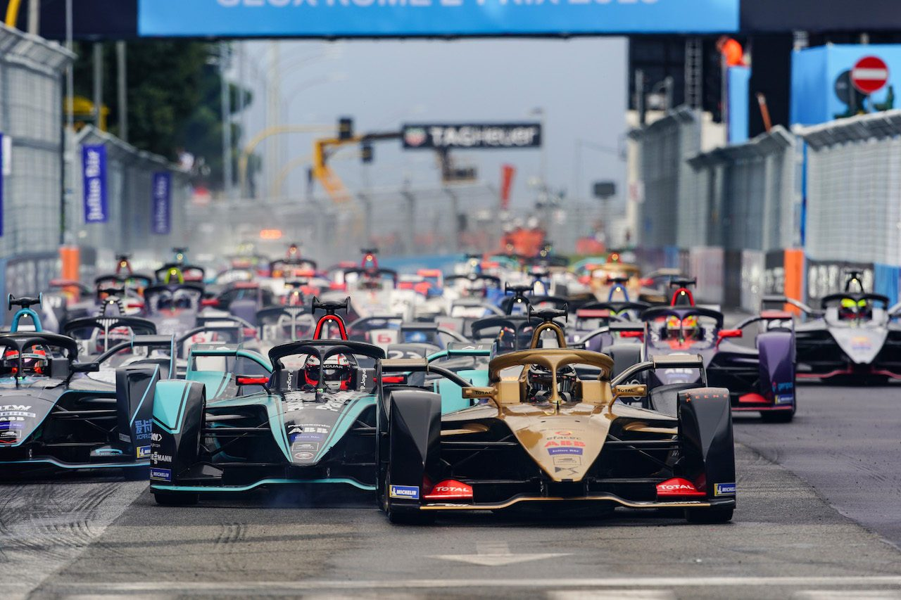 フォーミュラE第7戦ローマ:初ポールのロッテラーは表彰台獲得。エバンスが逆転で初優勝