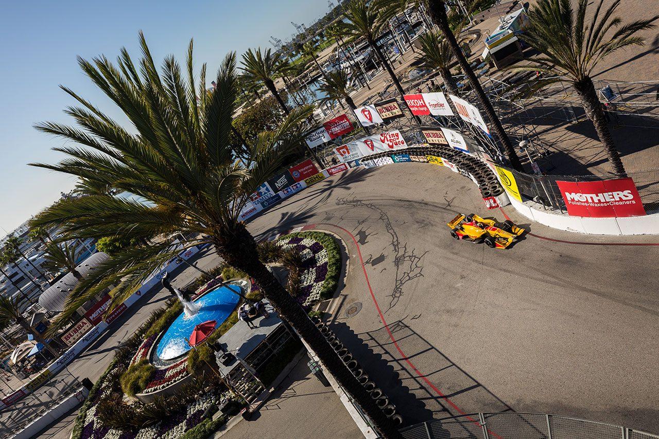 インディカー第4戦ロングビーチ:ロッシが好アタックで逆転ポール。琢磨は8番手に