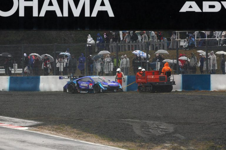 スーパーGT | GT500決勝《あと読み》ホンダ佐伯GTリーダー、ARTAの勝利を称えるもNSX同士討ちに沈痛。「こういうレースはもうしたくない」