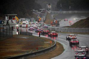 スーパーGT | GT300決勝《あと読み》:大荒れ開幕戦。ドライバーたちの証言で振り返る多重クラッシュの現場とレースコントロールの難しさ