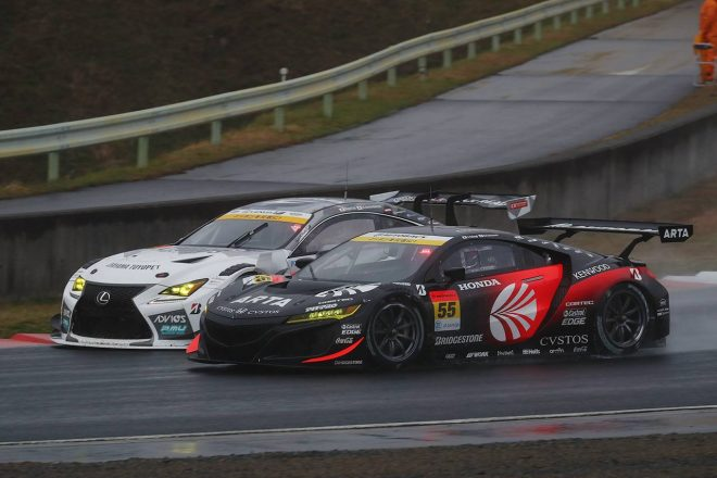 トップ争いを演じたK-tunes RC F GT3とARTA NSX GT3
