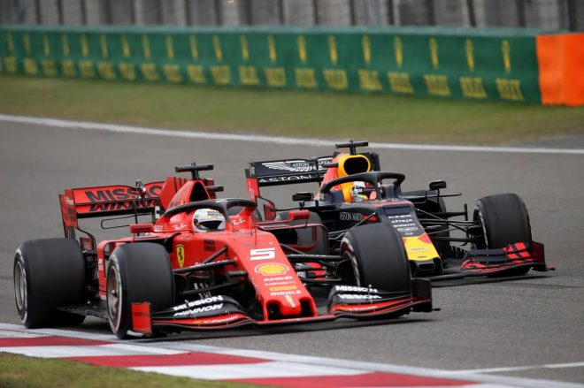 2019年F1第3戦中国GP セバスチャン・ベッテル(フェラーリ)とマックス・フェルスタッペン(レッドブル・ホンダ)のバトル