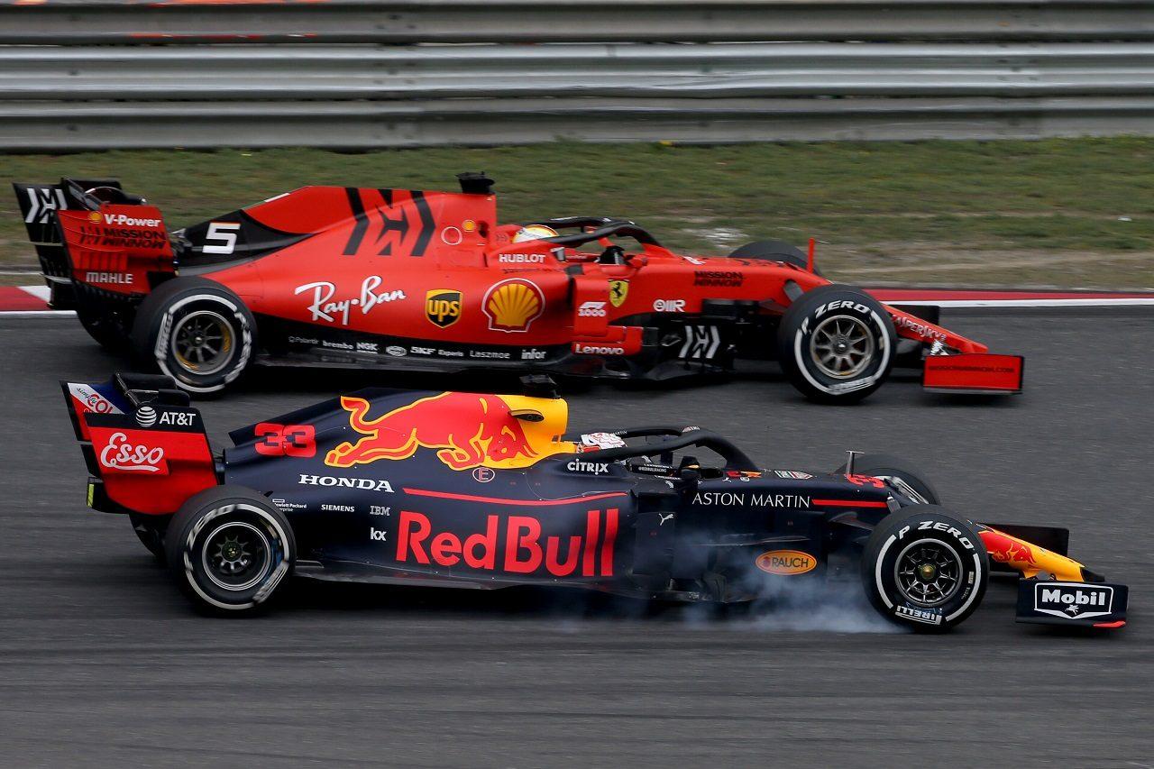 2019年F1第3戦中国GP マックス・フェルスタッペン(レッドブル・ホンダ)とセバスチャン・ベッテル(フェラーリ)がバトル