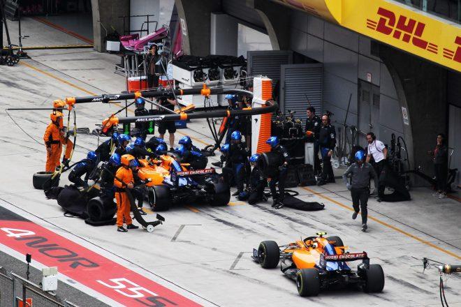 2019年F1第3戦中国GP カルロス・サインツJr.とランド・ノリス(マクラーレン)が1周目の接触によりピットイン