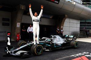 F1 | ハミルトンが2連勝でポイントリーダーに「ドライビングスタイルを変えたことが逆転勝利につながった」:メルセデス F1中国GP日曜