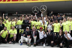F1 | リカバー能力を見せつけたハミルトンと、開幕3連勝を飾ったメルセデスの勝ちパターン【今宮純のF1中国GP分析】