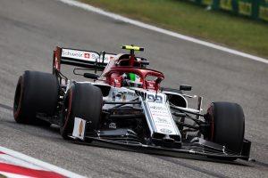 F1 | アルファロメオF1代表、苦戦のジョビナッツィを擁護「成績が振るわない原因はチームにある」