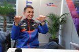 F1 | 【ブログ】どん底から10位入賞で意気揚々なアルボン、一方のフェラーリ陣営は重い空気/中国GP現地情報2回目