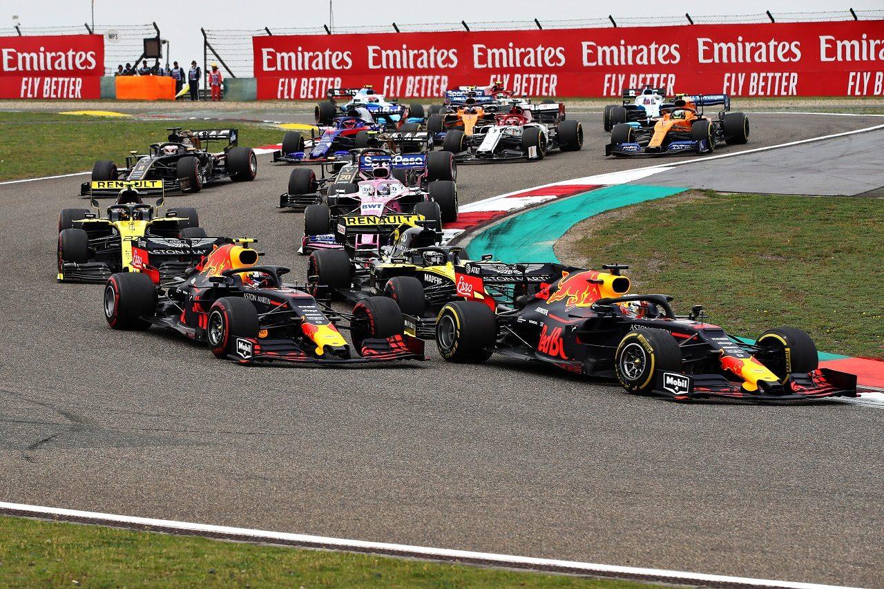 2019年F1第3戦中国GP 決勝スタート直後のマックス・フェルスタッペン(レッドブル・ホンダ)