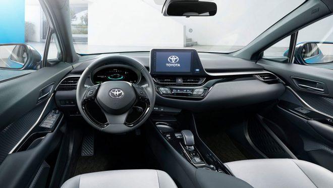 トヨタC-HR(EV)インテリア