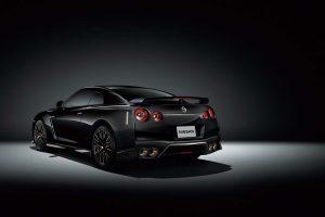 クルマ | 誕生から半世紀を迎えた『GT-R』に2020年モデル登場。レース技術つぎ込まれた最新GT-R NISMOも