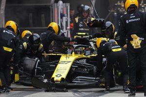 F1 | ルノーF1、2戦連続でパワーユニットトラブル。未だ確立されない信頼性に「望んでいたよりも進歩が遅い」と明かす