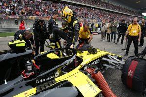 F1 | ルノーPUの信頼性不足にヒュルケンベルグが苦言。「経験とポイントが犠牲になっている。すぐにでも解決策が必要」