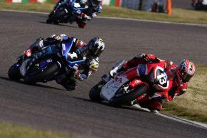 MotoGP | 第2戦鈴鹿のレース1も開幕戦と同じく高橋巧と中須賀克行のマッチレースになると思われたが……。