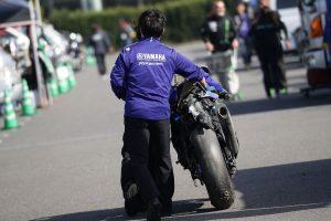 MotoGP | レース1の転倒で損傷した中須賀克行のヤマハYZF-R1