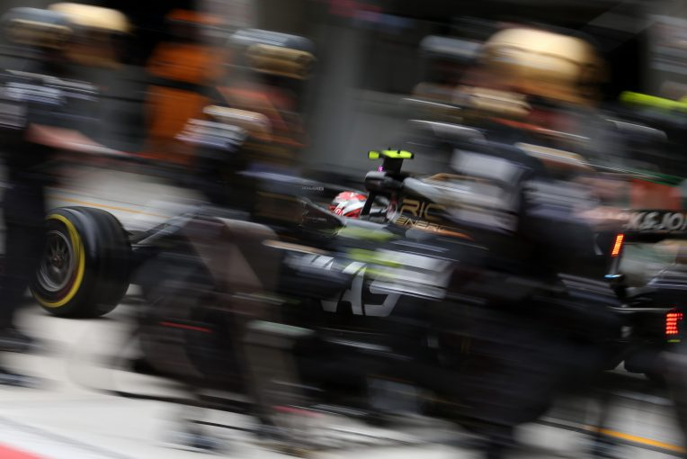 F1 | ハースF1代表、決勝で悩むタイヤの問題解決には時間がかかると主張。「バクーも難しいコースになる」