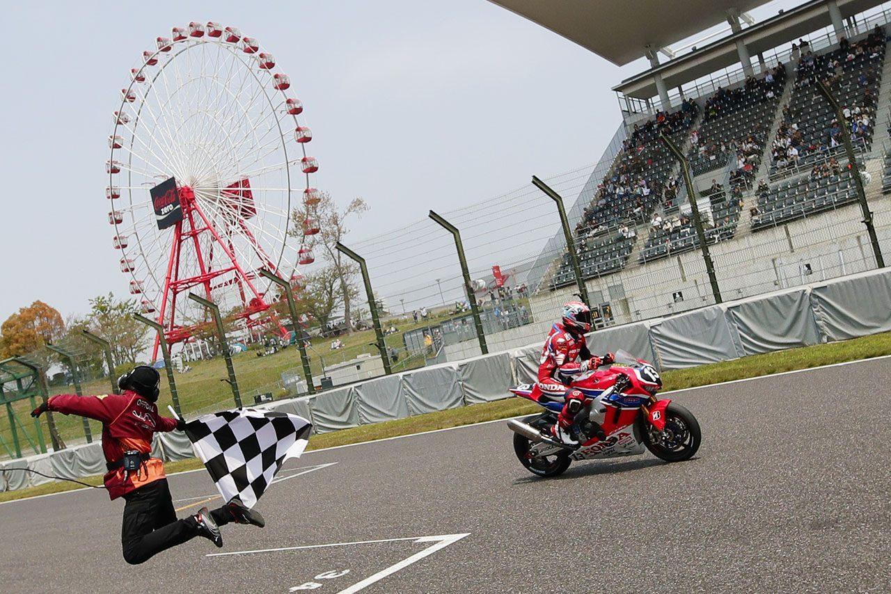レース2も独走優勝でダブルウィンを果たした高橋巧(Team HRC)